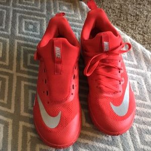 Men's nike basketball shoe